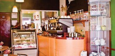 Me Chifla el Café, Gradios